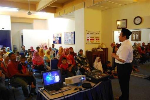 Sesi Seminar Sedang Berlangsung